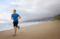 beach-running-guy__